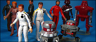 COOL TOY REVIEW: Maximillian Vintage Mego Black Hole ...